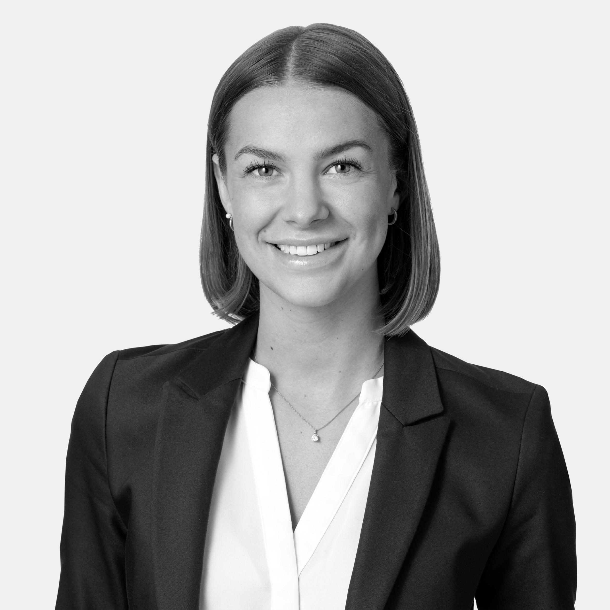 Line Olsson, Alicia Edelman Fastighetsmäkleri